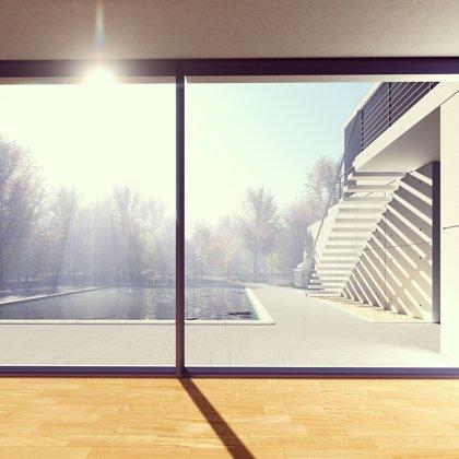 Paradox. Stojíte na teplém a sluncem politém místě. Ale co je za oknem?
